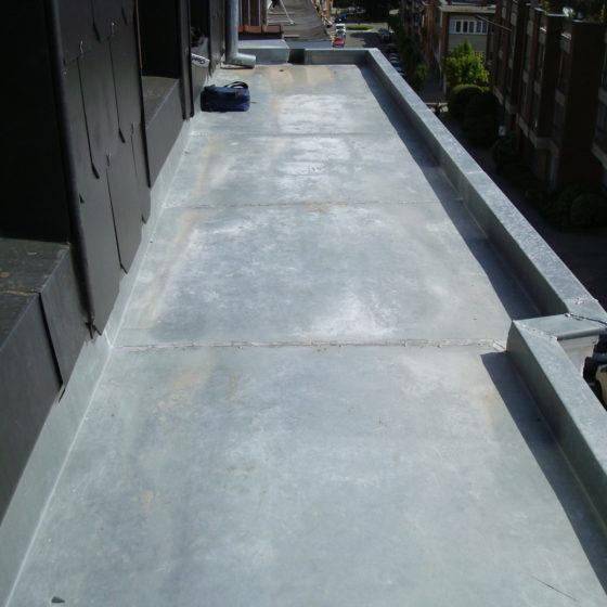 Réalisation plateforme corniche en zinc