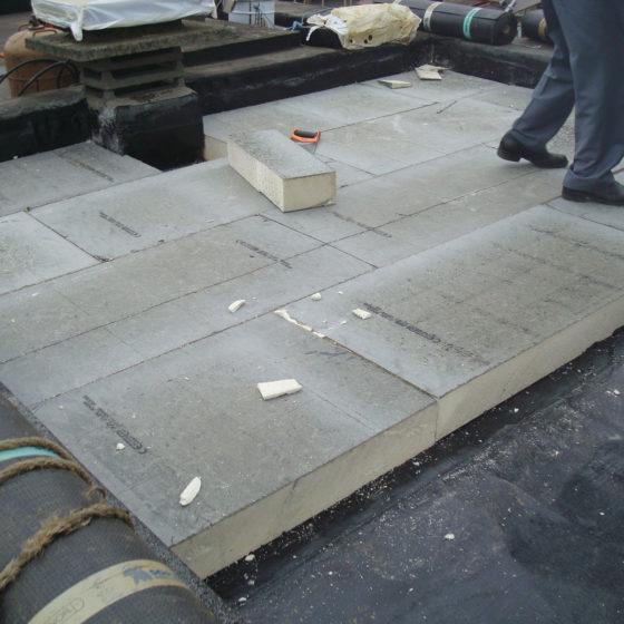 Pose isolant toiture plate en Brabant