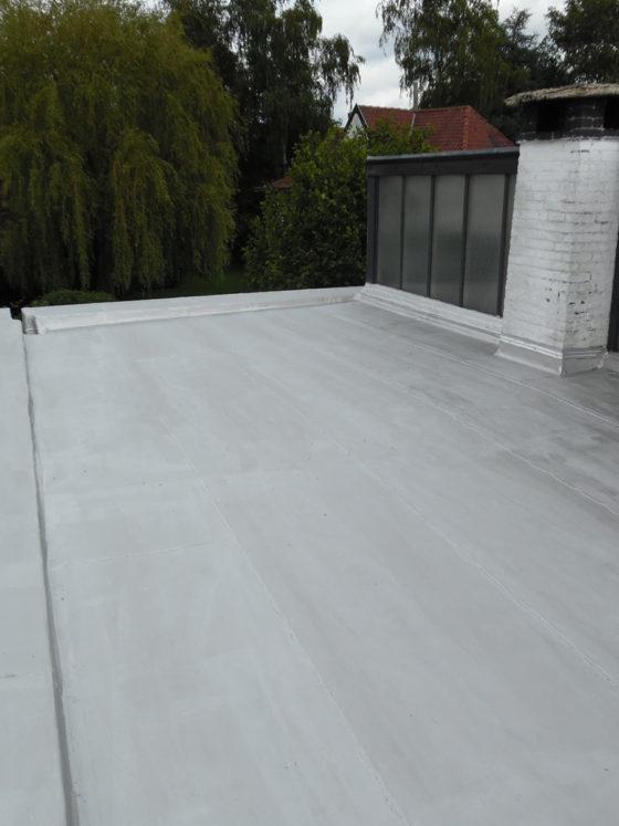 Travail avec membrane PVC sur toit plat Mons